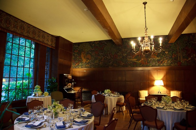 Mural room ahwahnee hotel round tables my yosemite for Design hotel yosemite